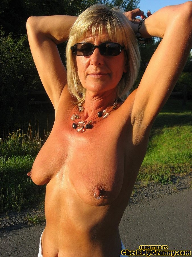pussy pissing hairy Granny